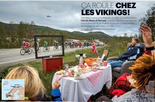 """Over fire sider i La Parisienne fikk millioner av franskmenn se finnmarkinger """"se sykkelritt på tv"""" fra grøfta på Finnmarksvidda. Priceless!"""